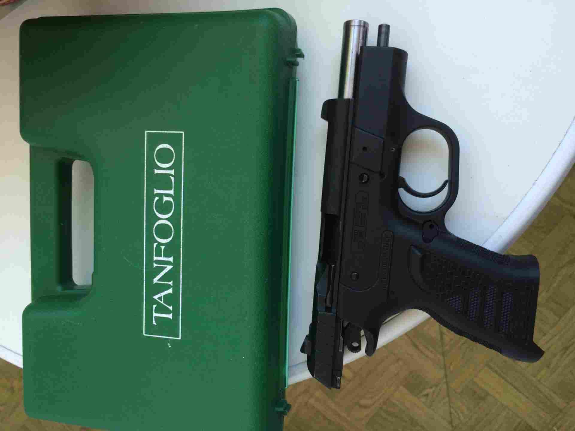 Продам оооп tanfoglio inna кал 9pa настрел 100+- комплект (не разбивается)