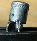 Использование колпачка пенала для безопасного снятия/установки курка АК-образных