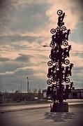 Необычное дерево из обычных мотоциклов.